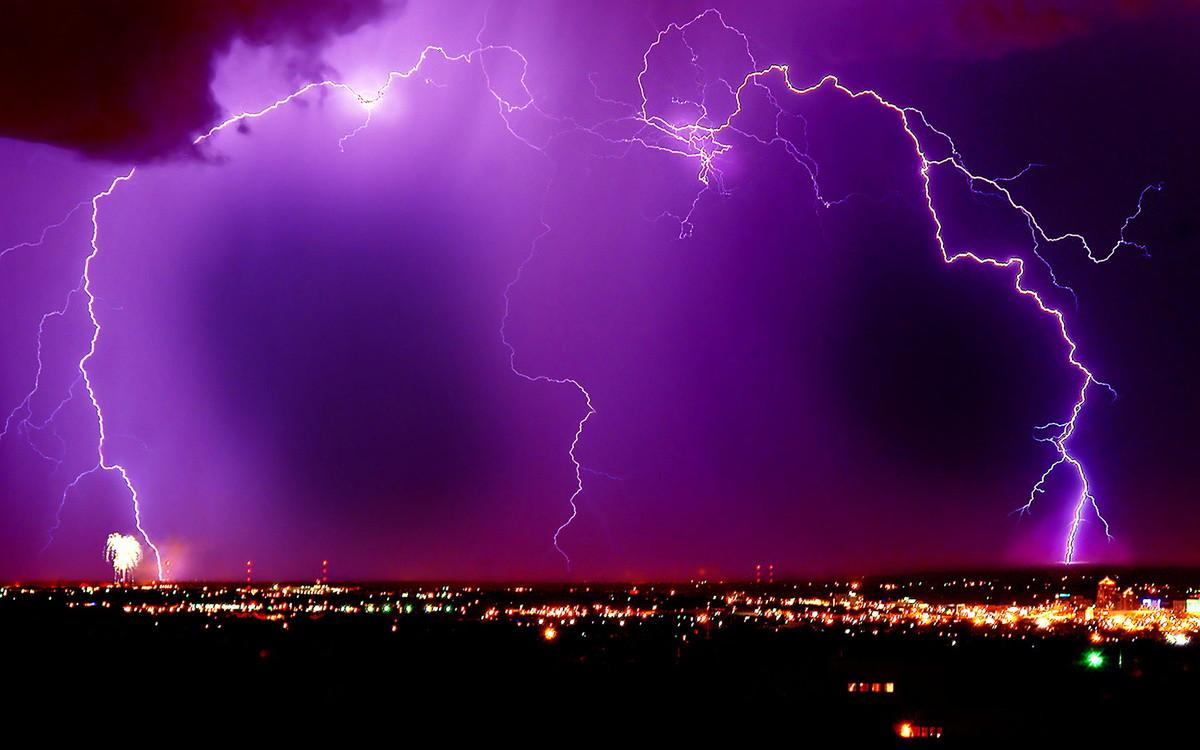 Інтерактивна лекція Звідки з'являється блискавка