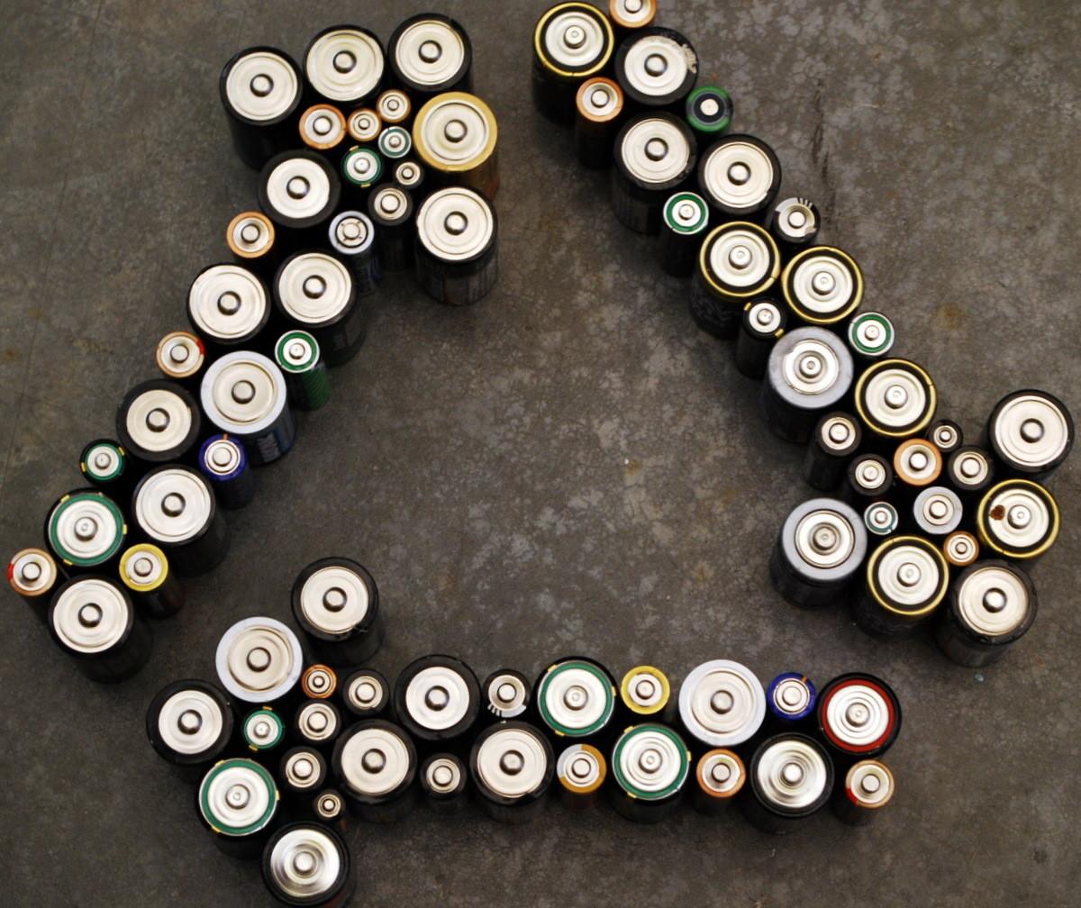 Переработка батареек - зелена батарейка